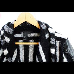 INC • Pullover open front blazer • Black print